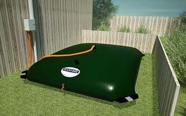 Depósito flexible para agua de lluvia en patio